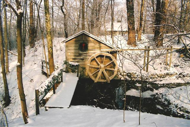 Water Wheel (Fernwood) in snow Holidays (by Dan Keusal)